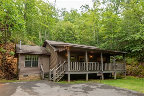 Pigeon Lake Cottage Rental by S Lakehouse Pigeon Forge Two Bedroom Cabin Rental