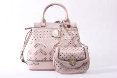 Guess Tas Amour Roze guess tas groot 154 95 guess tas klein 84 95