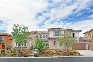 Walk In Shower Bathtub Check Out The Houses For Sale In Summerlin Nv