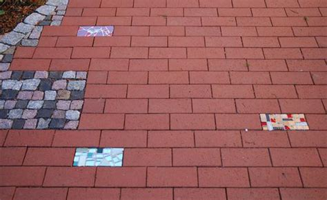 galabau wuppertal eingangsbereich aufgelockert mit kunstpflaster mal anders