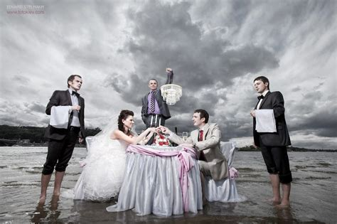 unique photo picture of very creative and unique wedding photography