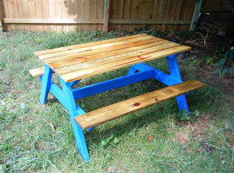 Childrens Picnic Tables by White Children S Picnic Table Diy Projects