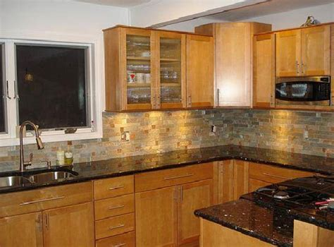 kitchen colors with oak cabinets and black countertops kitchen kitchen backsplash ideas black granite