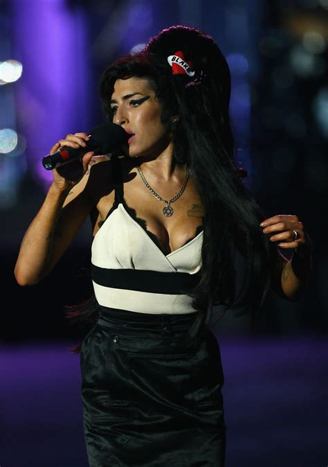 how many homes do the clintons own amy winehouse concert amy winehouse in 46664 concert in
