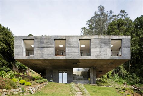 images of houses that are 2 459 square feet casa guna pezo von ellrichshausen plataforma arquitectura
