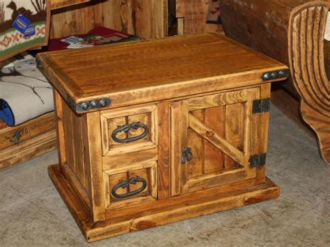Modern Style Bathroom small rustic trunk coffee table decorate with old rustic