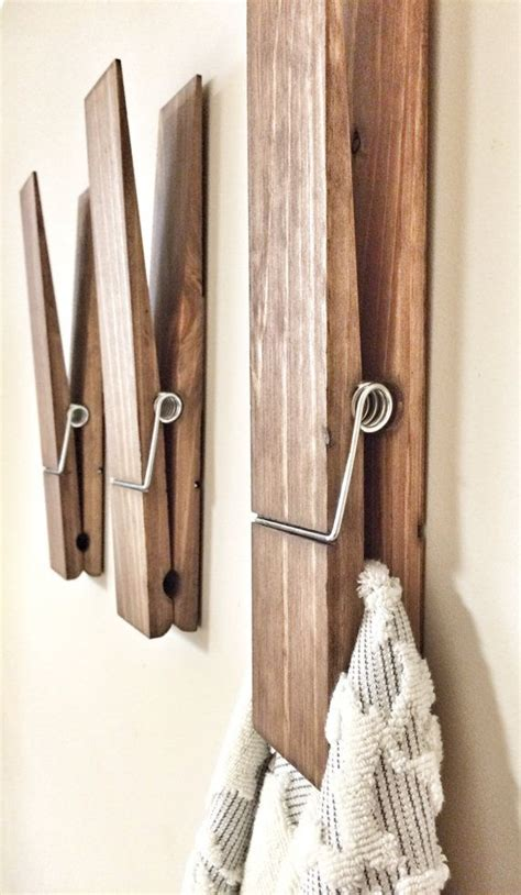 bathroom towel hanging ideas 25 best ideas about bathroom towel display on