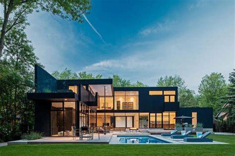 2 000 square feet 10 000 square feet of opulent modern living 44 belvedere
