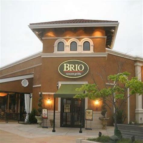 brio tuscan restaurant entry door outdoor dining to the left picture of brio