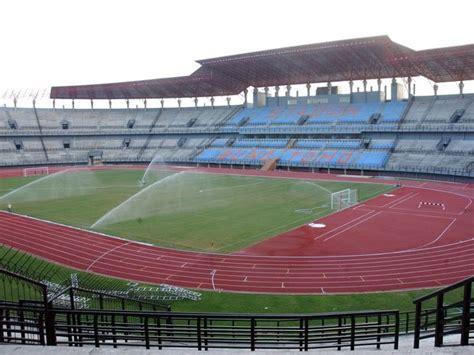 hanif sakala  stadion standar internasional kebanggan