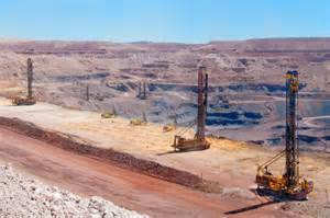 Limestone Benches Pit Viper Drilling For Africa S Iron Mining