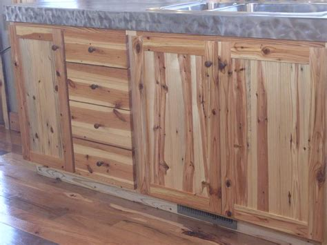 yellow pine kitchen cabinets photo 3010 southern yellow pine kitchen cabinets