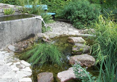 Kleine Teiche Anlegen by Gartenteich Anlegen Und Gestalten K 252 Nstlichen Teich Bauen