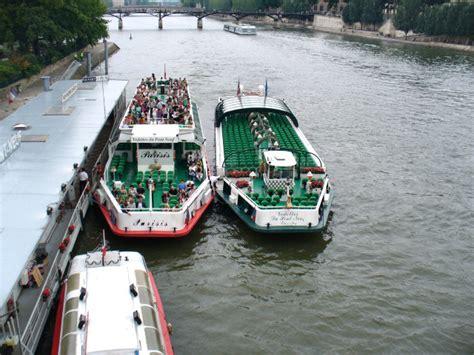 bateau mouche vedette pont neuf les vedettes du pont neuf