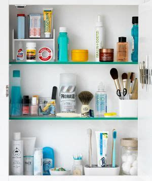 how to organize medicine cabinet 17 best ideas about medicine cabinets on
