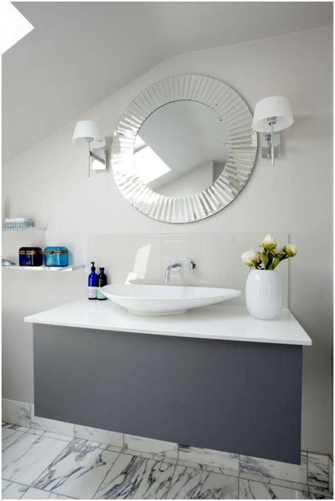 Spiegelle Badezimmer by Dunkle Flecken Am Spiegel Im Badezimmer Und Wie Vermeidet