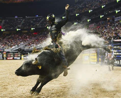 Mibil Rodeo chionships still up for grabs in pbr world finals las vegas review journal