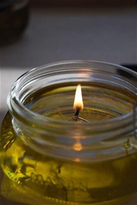 candela ad olio idee per riutilizzare l olio da cucina usato vivere pi 249 sani