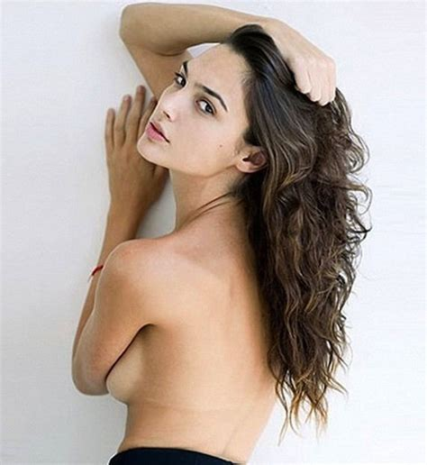 Girls Play Vanity Set Gal Gadot Of Fast Amp Furious 6 Is A Star On The Rise