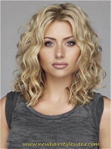 hair cut for big face frizzy hair curly hairstyles unique medium length hairstyles for