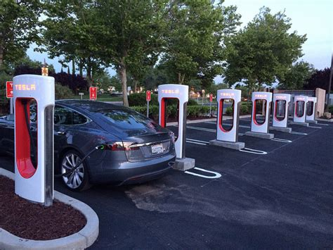 Tesla Electric Stations Photovoltaic Solar Panels To Power 1st Supercharger Station