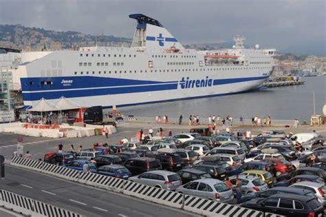 porto genova tirrenia caro traghetti al via in giugno flotta sardegna mare