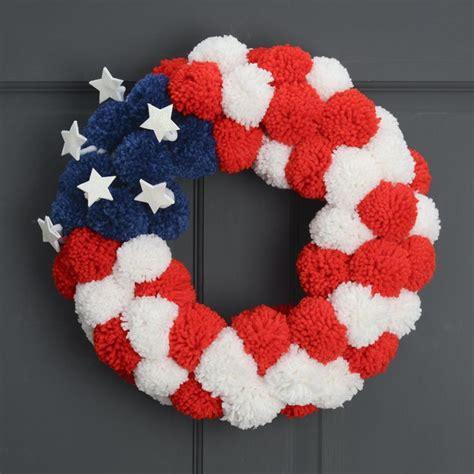 diy wreath    july    pom pom door decorations  fourth  july