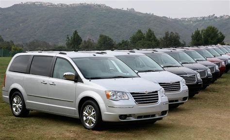 2009 Chrysler Town And Country by 2009 Chrysler Town And Country Information And Photos