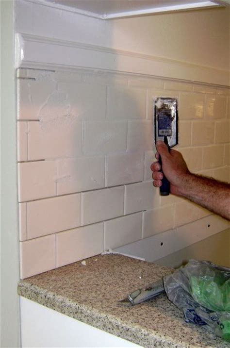 How To Install Subway Tile Kitchen Backsplash How To Install A Tile Backsplash For My Condo Pinterest