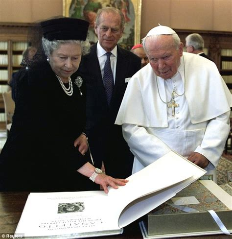 the the and times of elizabeth ii books the meets pope francis for the time