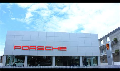 porsche showroom honest car reviews and ratings in india driveinside com