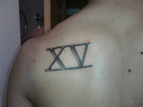 number tattoo on shoulder 21 amazing shoulder roman numerals tattoos
