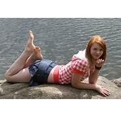 Model Simple Background Women Redhead Feet Wallpapers