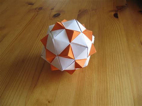 How To Make Origami Shapes - origami shapes 04 triangles by jezzerz219 on deviantart