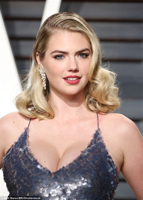 celeb cup sizes lingerie expert analyses stars real bra sizes daily