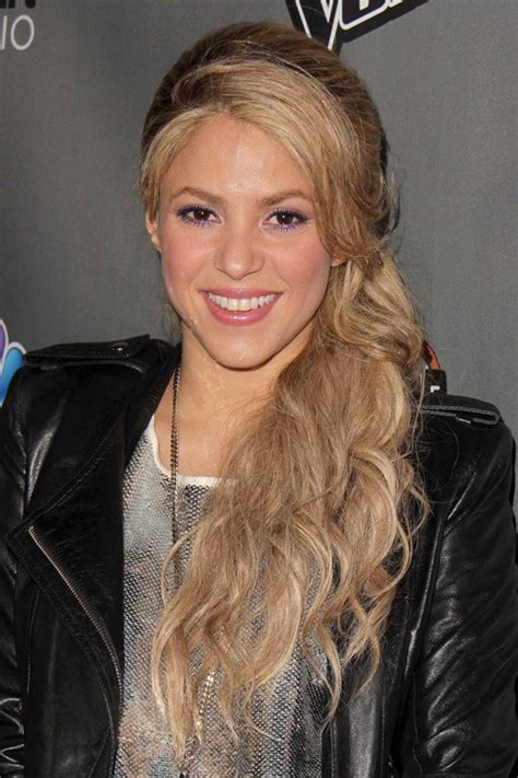 what color is shakira s hair 2015 йįĉσ