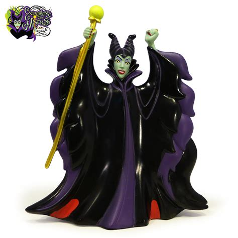 figure vs figurine disney parks sorcerer mickey vs disney villains