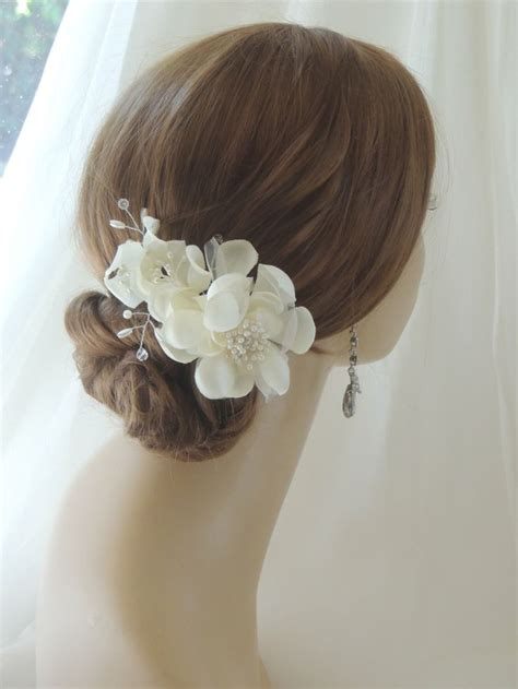 Silk Flowers Hair Wedding by Best 25 Bridal Hair Flowers Ideas On Flower