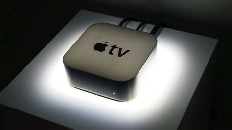 Apple Tv Light Blinking by What S Amazon S Baffling Decision To Ban Apple Tv And Chromecast The Verge