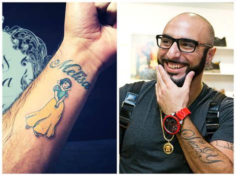 tattoo menai sezzy kūną papuošė nauja tatuiruote ji dukros melisos
