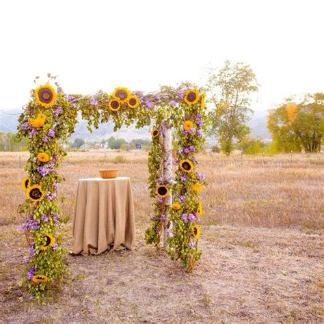 Wedding Arch With Sunflowers by Artistic Look Wedding Sunflower Decoration Ideas