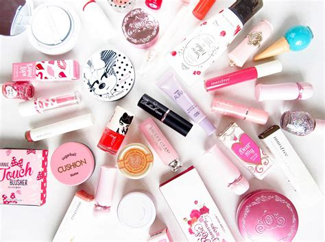 makeup and perfume style guru fashion glitz