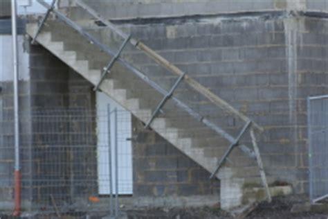 Fliesen Für Aussentreppe by Betontreppe Aussenbereich Bauunternehmen