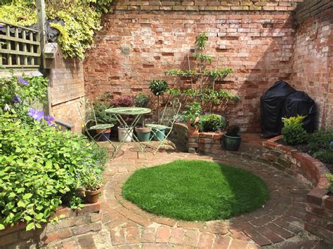 Small Walled Garden Patio Gardens And Walled Garden Model Small Walled Gardens