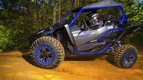 side by side mit eiswürfelbereiter the yamaha yxz100r ss reminds us why we like side by sides