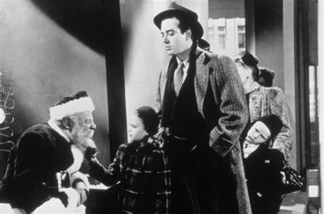 miracle on 34th street amazon com miracle on 34th street edmund gwenn maureen