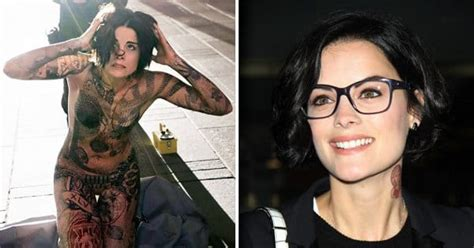 tattoo girl on blind spot blindspot s jaimie alexander dishes out on her real