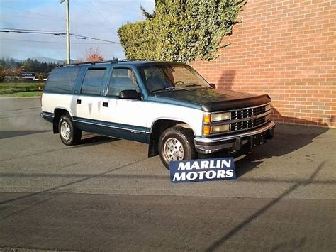 1993 chevrolet suburban overview cars com 1993 chevrolet suburban 1500 c1500 2wd koksilah british columbia car for sale 2296561