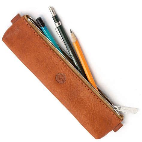 Tempat Pensil Semi Kulit cowok yang males ribet tapi tetap mau rapi pastikan kalian selalu bawa 8 barang ini