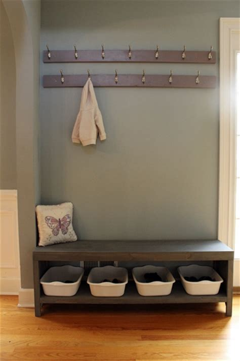 Coat And Shoe Rack With Bench by Dave Tells Us How To Build A Bench With Shoe Storage